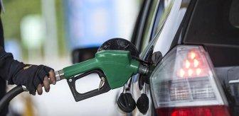 Araç sahipleri dikkat! Dün zam yapılan benzine bugün indirim geliyor