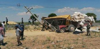 Yük treninin çarptığı römork, traktörün üstüne düştü: 1 ölü, 2 yaralı