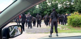 'Black Panther' isimli grup silahlanıp sokağa indi: Savaş meydanında karşımıza çıkın