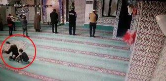 Oğluna camiyi sevdirmeye çalışan baba takla atarak namaza durdu