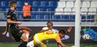 Kasımpaşa-Göztepe maçında VAR incelemesinin uzun sürmesi tartışmalara neden oldu