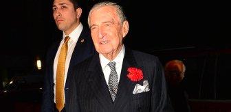 Koronavirüs tedavisi gören 90 yaşındaki ünlü iş insanı Rahmi Koç'u evine gönderdiler