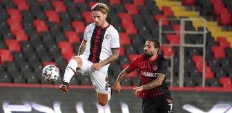 F.Bahçe'den sürpriz transfer! 35 yaşındaki futbolcuya imza attırmak için harekete geçildi