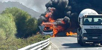 Facianın eşiğinden dönüldü! Rus turistleri taşıyan midibüs alev alev yandı