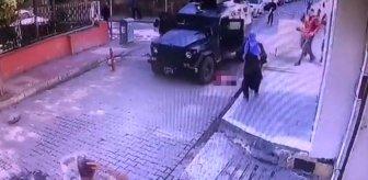 Yola fırlayan 5 yaşındaki kıza zırhlı polis aracı çarptı! Feci kaza anbean kamerada