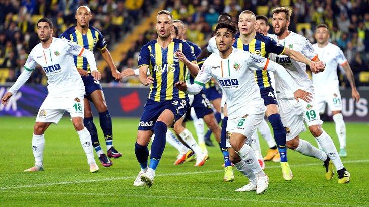 Kadıköy'de 'Yönetim istifa' sesleri! Fenerbahçe, Alanya karşısında son saniyelerde yıkıldı
